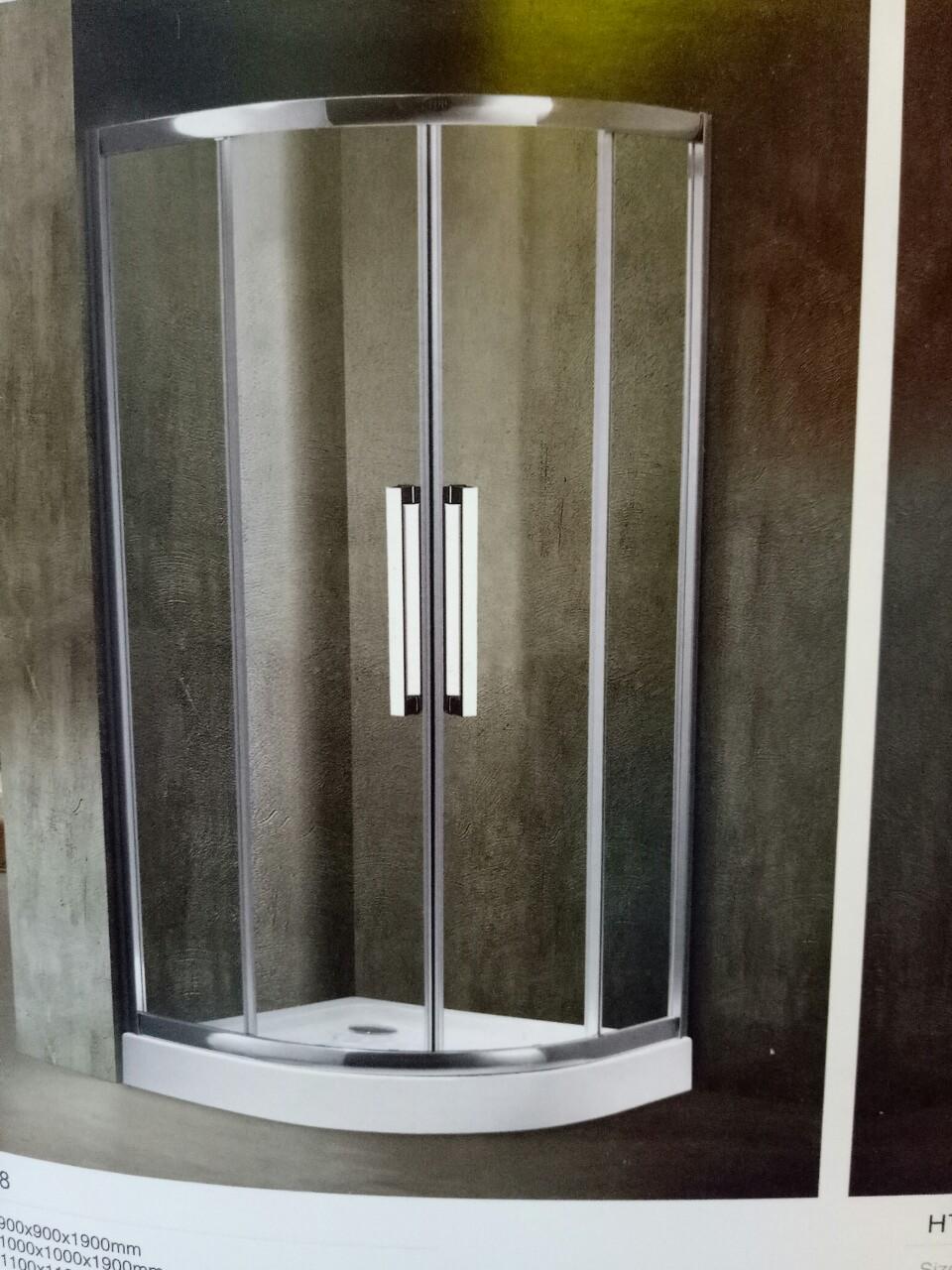 Bồn tắm đứng vách kính Daros HT-28