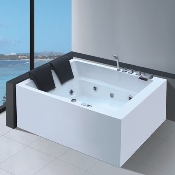 Bồn tắm Daros HT-1021